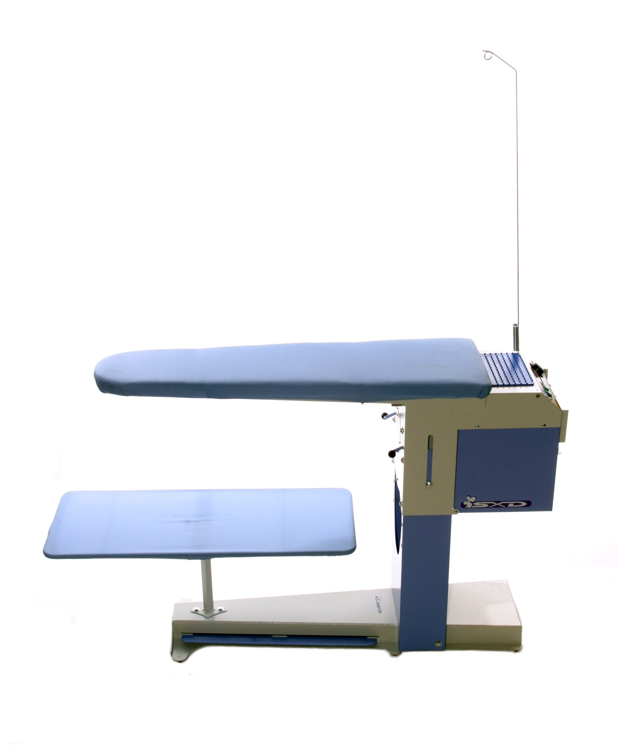 De luxe vacuum and heated ironing table speedypress for Couvert de table luxe